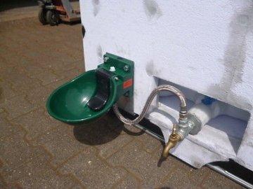 Tank 600/800 L auf Anhänger Fahrbar Mobil Weidetränke Pferdetränke Frostsicher